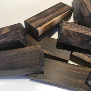 Débit de blocs en ZIRICOTE À retrouver sur le site 👉 https://www.comptoirdesboisprecieux.com/109-bois-naturel/s-1/essence-ziricote