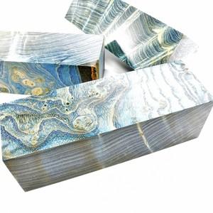 Très prochainement disponibles sur le site Loupe (broussin) de Frêne stabilisé bleu , d'autre à venir dans différentes couleurs ! N'´hésitez pas à partager ma page et le site ;) www.comptoirdesboisprecieux.com  #comptoirdesboisprecieux#bois#coutellerie#couteau#couteaux#metiersdart#bijouxcreateur#bijouenbois#bijouxfaitmain#bijouxmadeinfrance#coupechouxcustom#boisprecieux#boisprécieux#boisprecieuxcollection##bois#couteaux#manchecouteaubois#boisstabilisé#knives